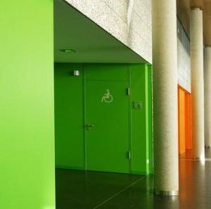 Farbgestaltung im Krankenhaus beschleunigen Gesundheitsprozess.Quelle: Rainer Sturm  / pixelio.de